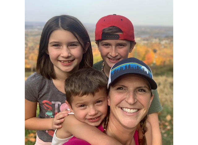 Picture of Heidi Dusek and her three children